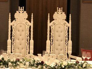 Rose wedding thrones